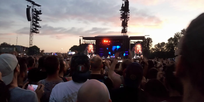 Axl Rose e i Guns N' Roses in concerto all'Autodromo di Imola, 10 giugno 2017