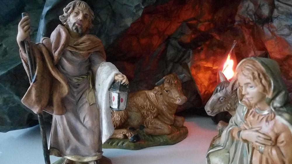 San Giuseppe, statuina del presepe, Natale 2017